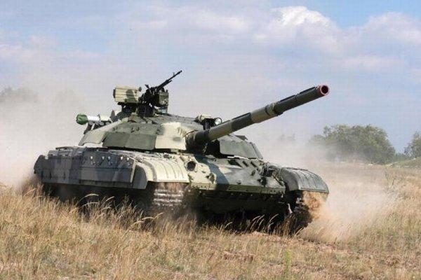 Фінансування військових програм на 2011 вріжуть вдвічі
