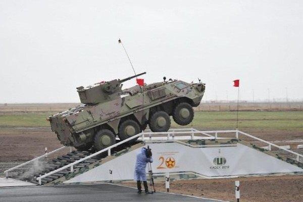 КАЗАХСТАН КУПУЄ БТР-4 НА 150 МЛН.ДОЛ.
