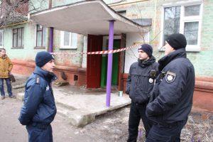 У Чернігові під час затримання озброєного чоловіка важкі поранення отримали двоє поліцейських