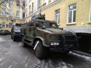 """НВО """"Практика"""" пропонує модернізовані версії бронеавтомобіля Козак-2 для української армії"""