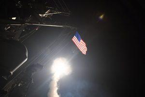 Деталі та наслідки ракетного удару армією США по авіабазі у Сирії