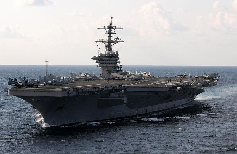USS Carl Vinson (CVN-70) у Аравійському морі, 21 січня 2012 р.