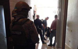 Правоохоронці показали кадри спецоперації проти учасників податкових схем