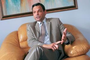 """Посол Пакистану в Україні каже про підготовку до закупівель близько сотні """"Оплотів"""""""