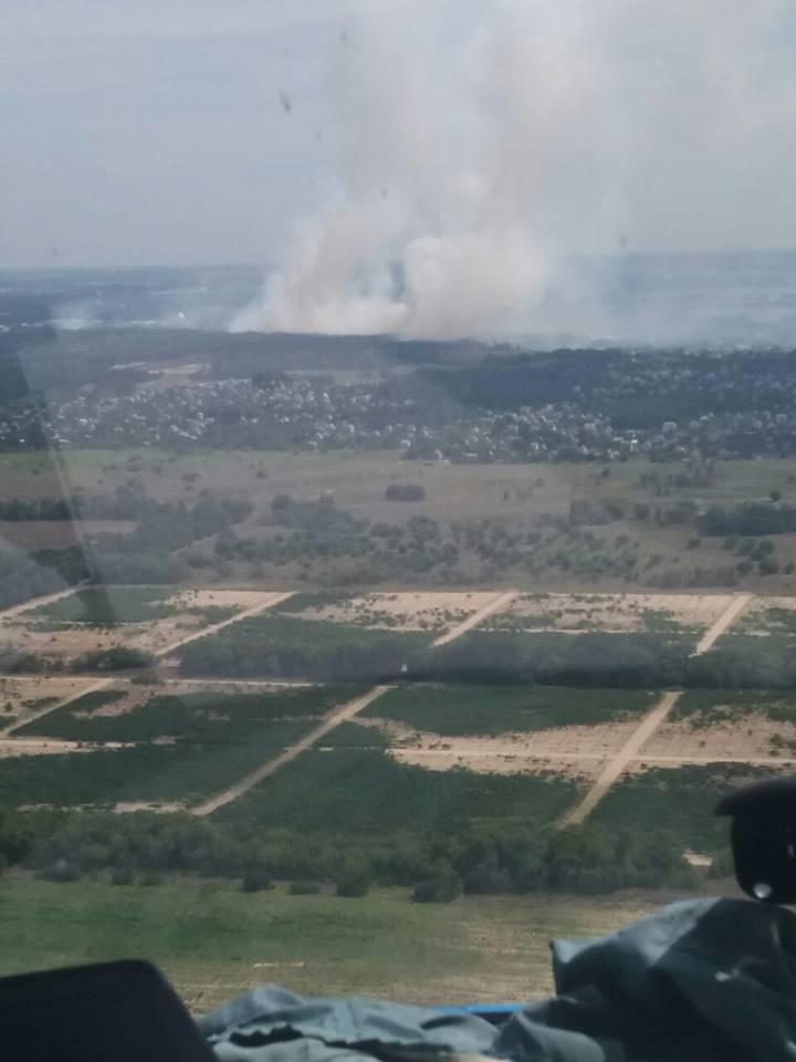 До гасіння лісової пожежі під Новою Каховкою залучили військових