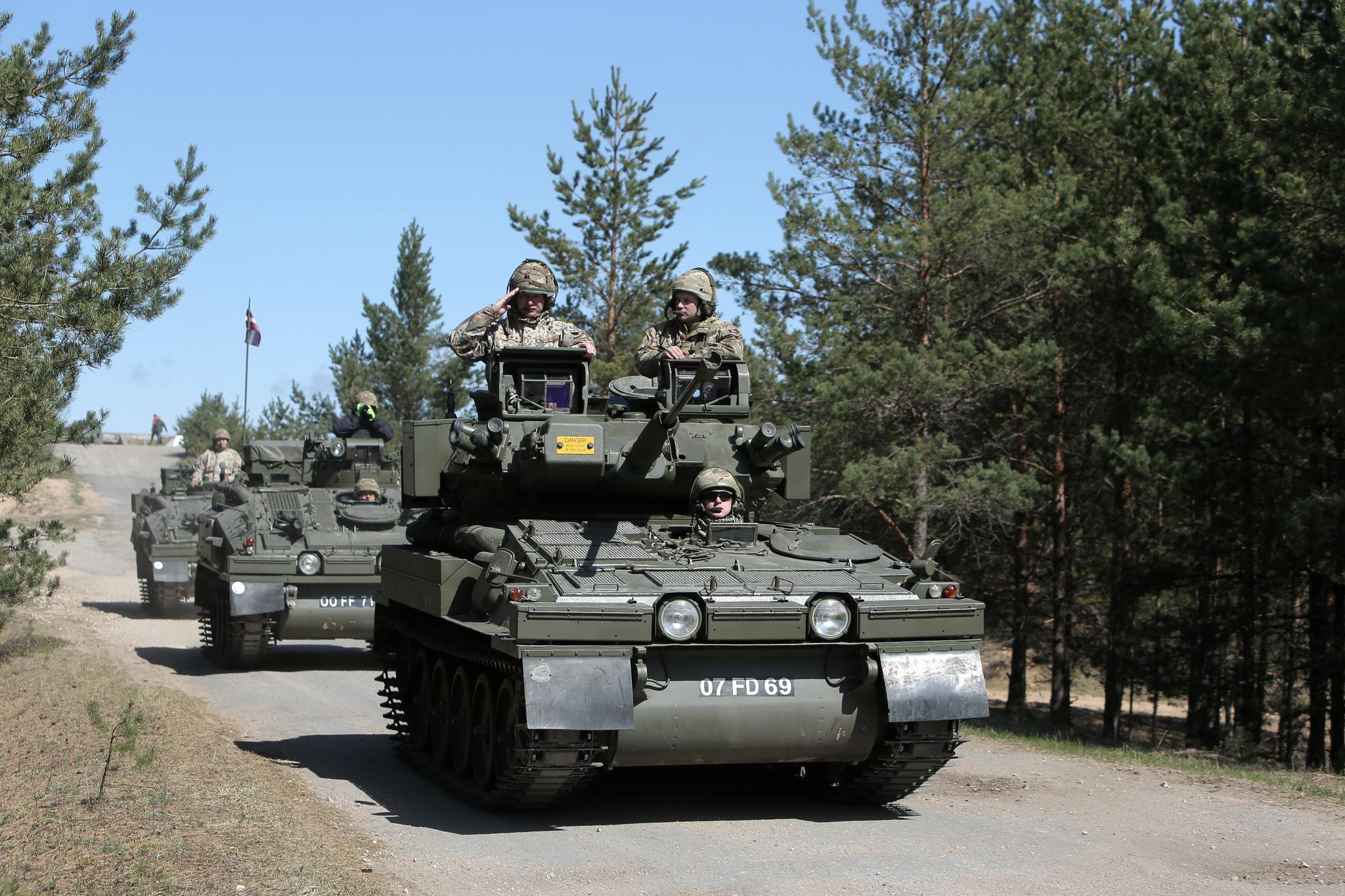 Бойові машини CVR(T) на озброєні армії Латвії