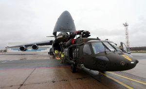 """В рамках операції """"Atlantic Resolve"""" до Латвії прибув підрозділ США на UH-60 """"Black Hawk"""""""