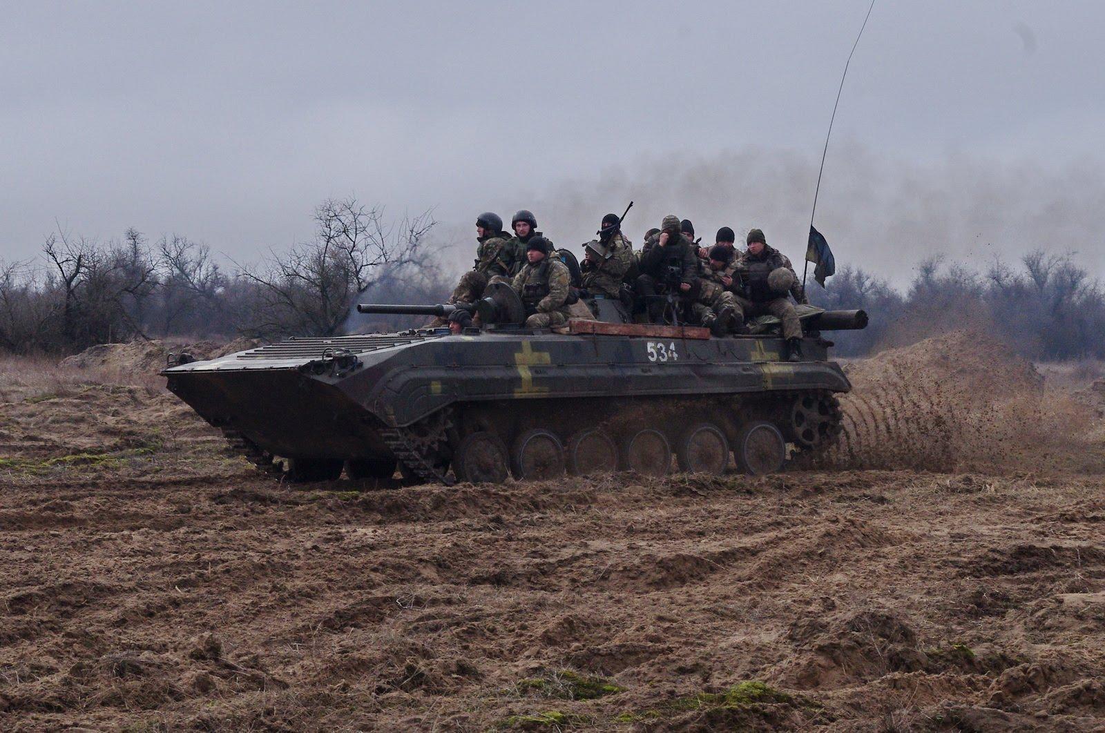 Тяжело в учении – легко в бою: 15 омбр готовится занять свои позиции на Луганском направлении