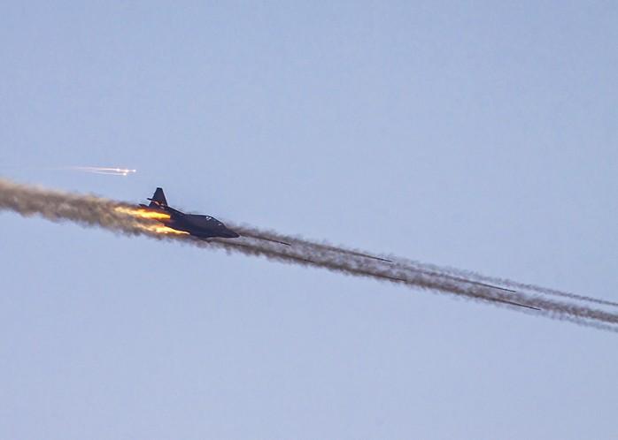 Залп некерованих ракет С-8 з Су-25