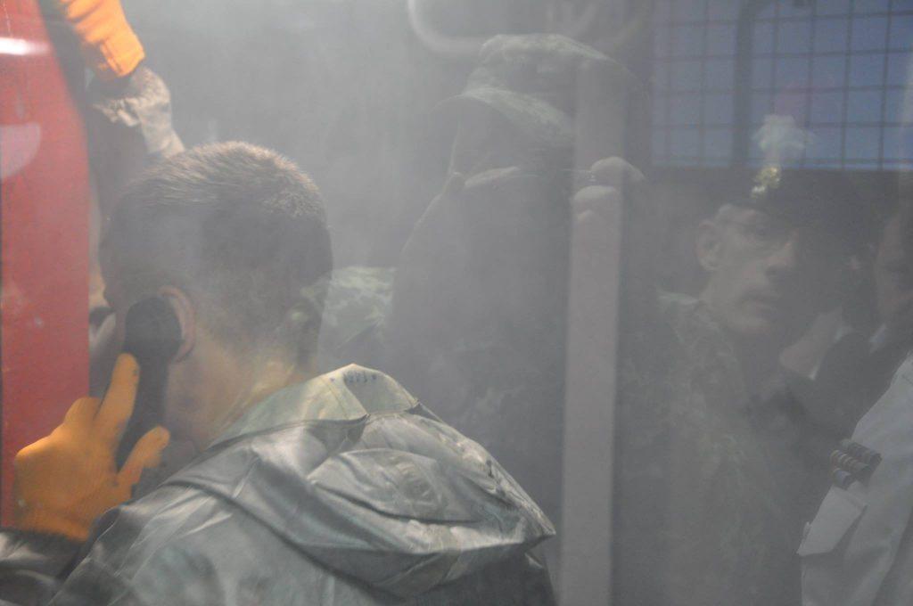 Курсанти під час подолання пожежі на тренажері