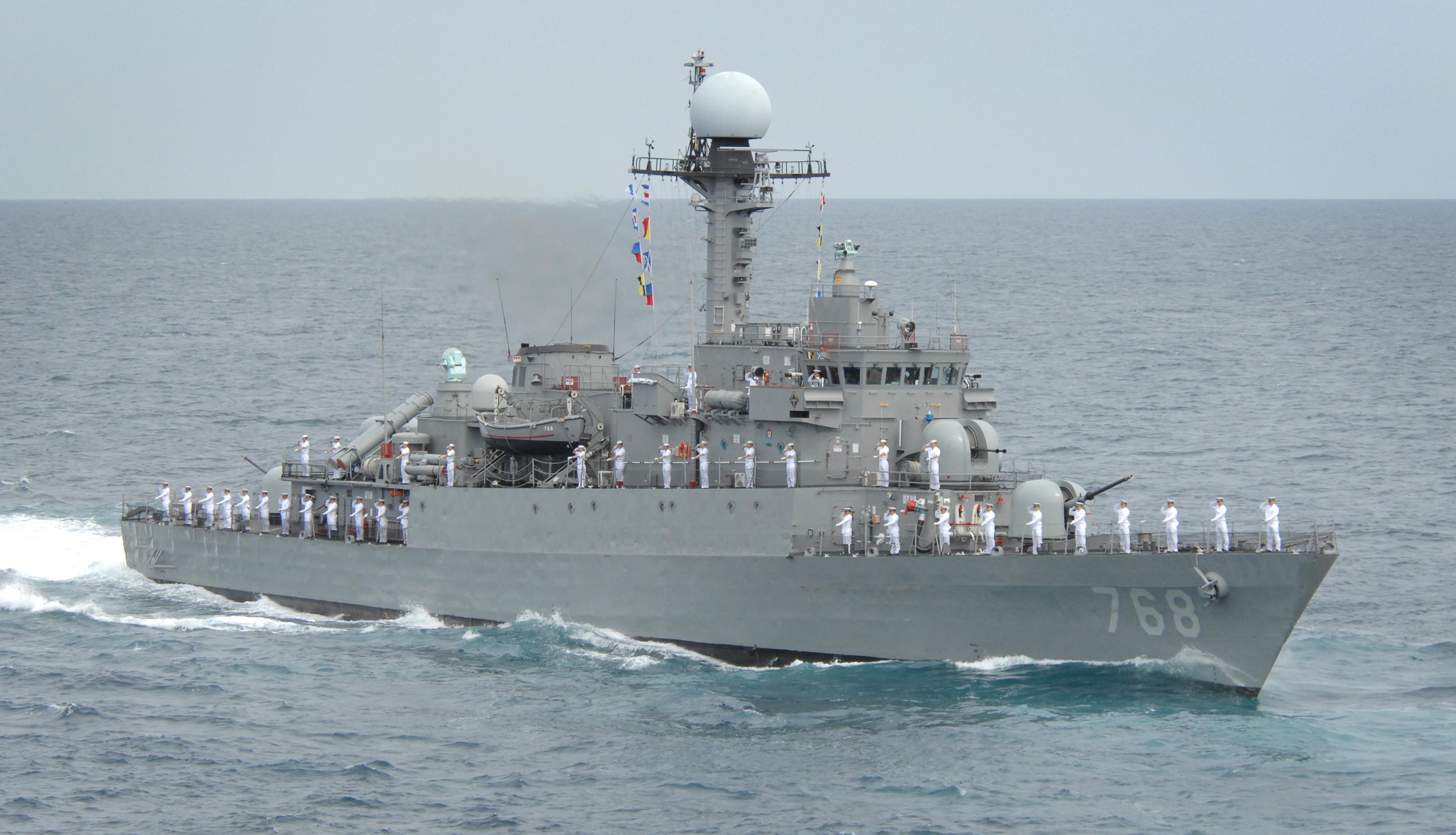 Корвет Iksan (PCC-768) під час служби у ВМС Південної Кореї