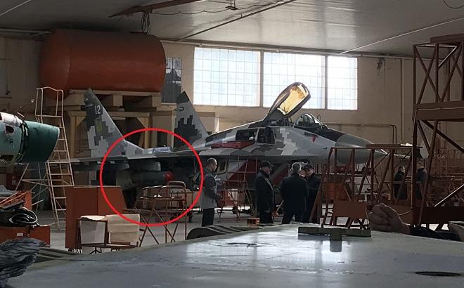 МіГ-29МУ2 з корегуючою авіабомбою КАБ-500 на підвісці
