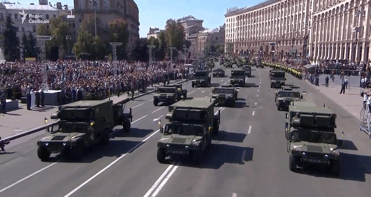 Контрбатарейні радари отримані від США на параді до Дня Незалежності
