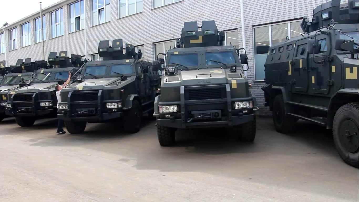 Партія бронеавтомобілів Козак-2 готується до передачі замовнику
