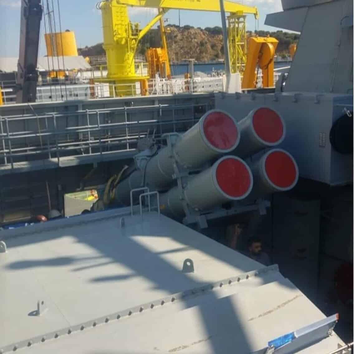Протикорабельні ракети ATMACA на корветі TCG Kinaliada