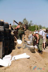 Станиця Луганська: демонтаж блокпосту бойовиків