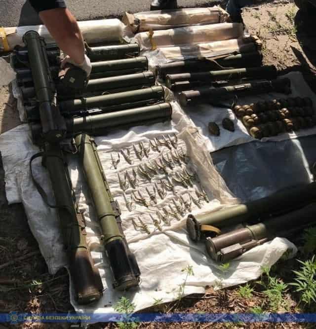 Контрактники на Луганщині збували озброєння ЗСУ