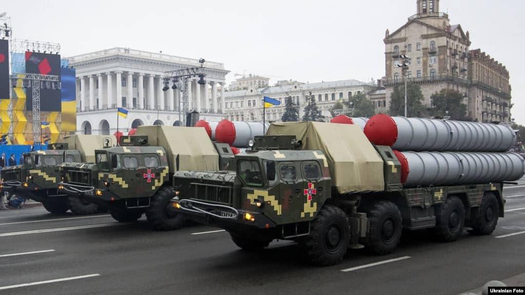 ЗРК С-300ПС на військовому параді у Києві до Дня Незалежності України 24 серпня 2016 року