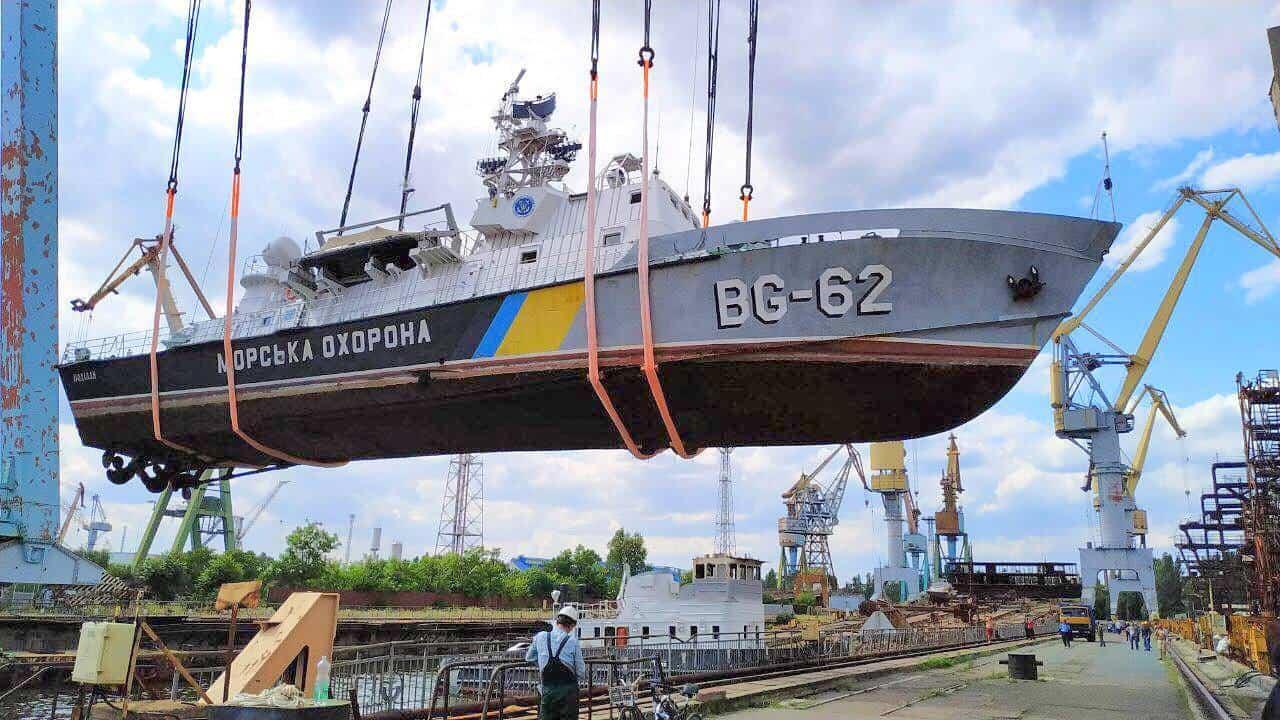 Підняття на стапелі корабля «Поділля» (BG-62)