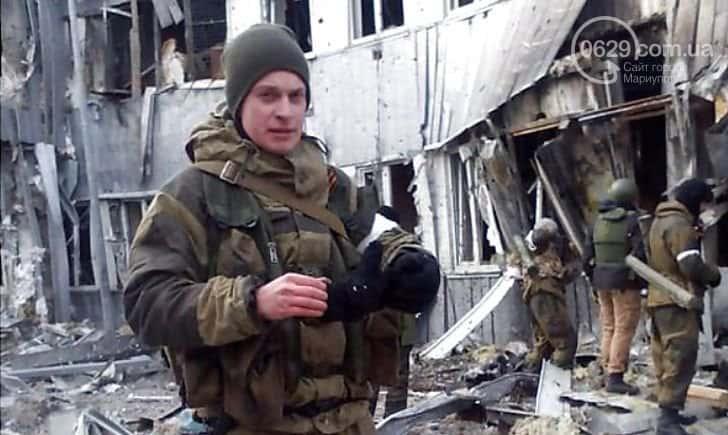 Роман Джумаєв в складі російсько-терористичних військ під час штурму Донецького аеропорту