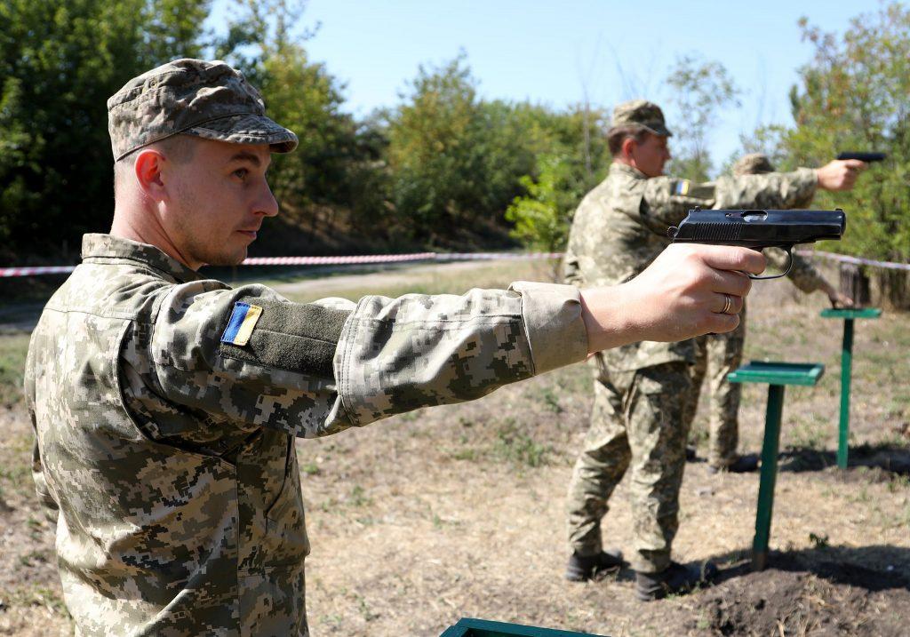 Стрільба з пістолета Макарова офіцерами 109-ї бригади ТрО