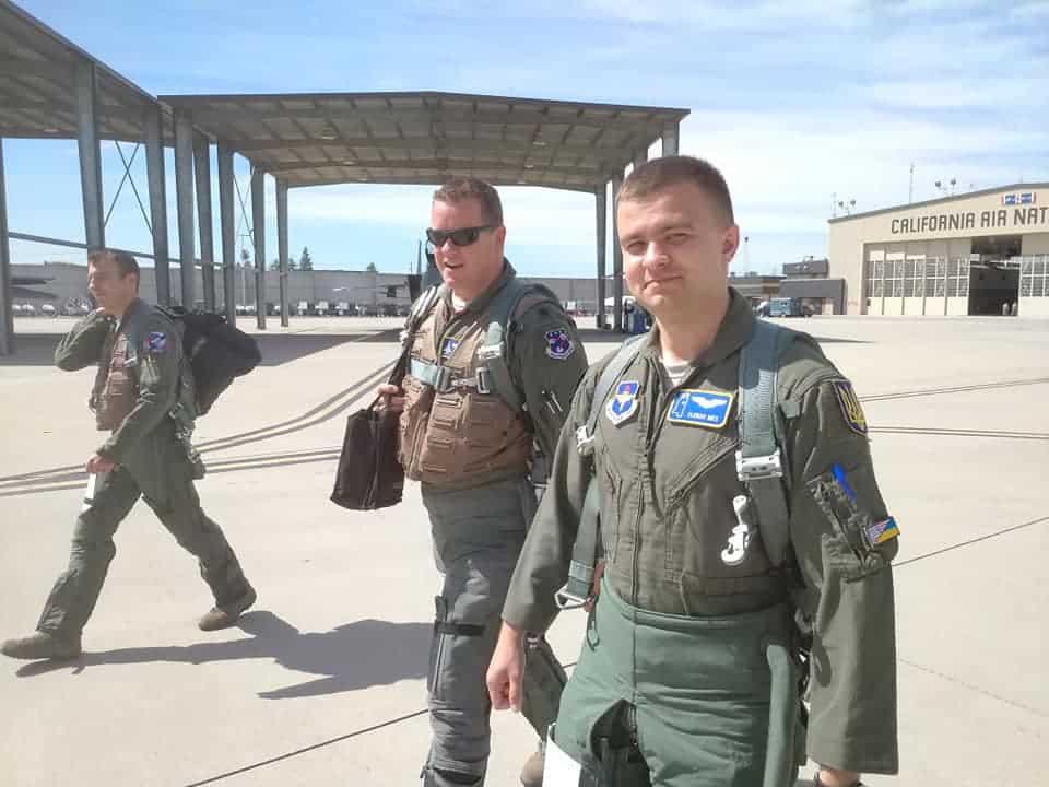 Український льотчик Олексій Мес на авіабазі 144-го авіаційного крила