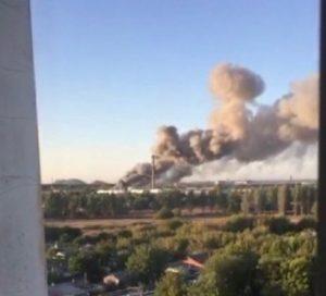 В окупантів вибухає військовий склад