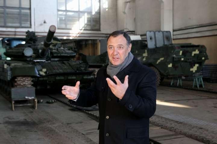 Звільнили директора Київського бронетанкового заводу