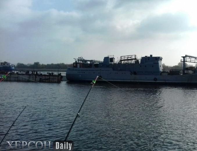 Спуск на воду з сухого доку середнього розвідувального корабля за темою «Лагуна»