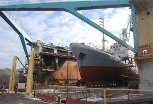 Завод на Азові готовий будувати кораблі для флоту