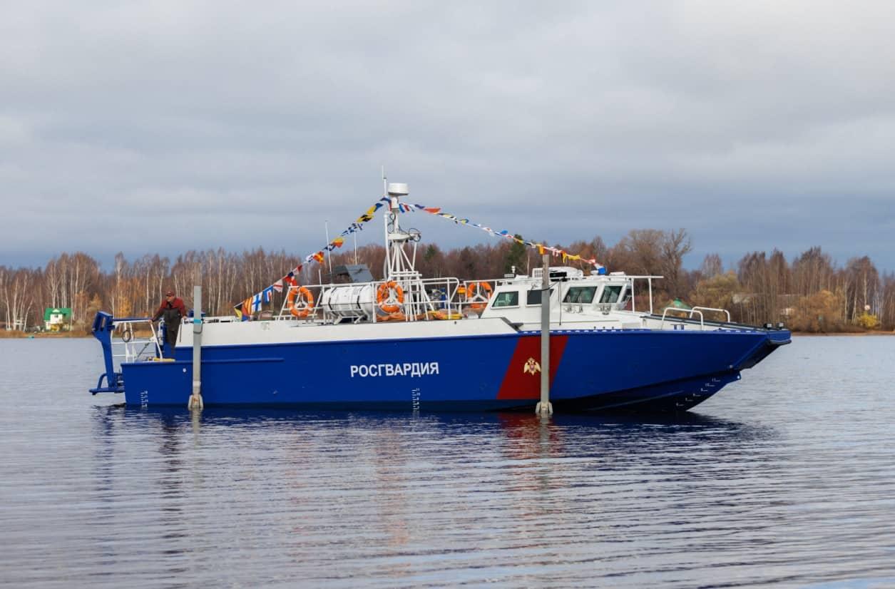 """Росгвардія отримає ще два катери для """"охорони"""" Керченського мосту"""