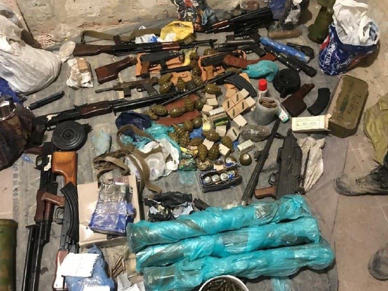 В Харківського стрілка вилучили арсенал