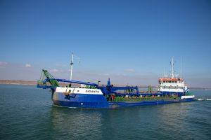 У Маріуполі поглиблюють дно Азовського моря