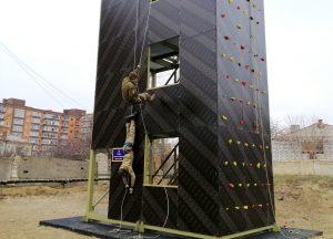 У Навчальному центрі ВМС відкрили спеціалізовану альпіністську стінку