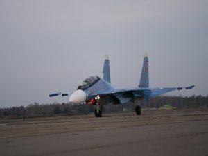 До Білорусі прибула перша пара Су-30
