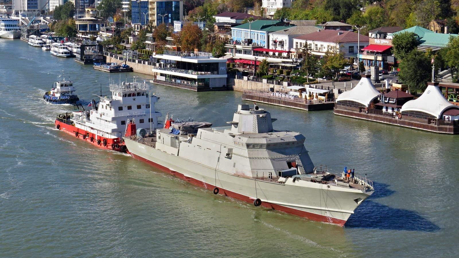 Захоплений завод у Феодосії будує кораблі окупанту