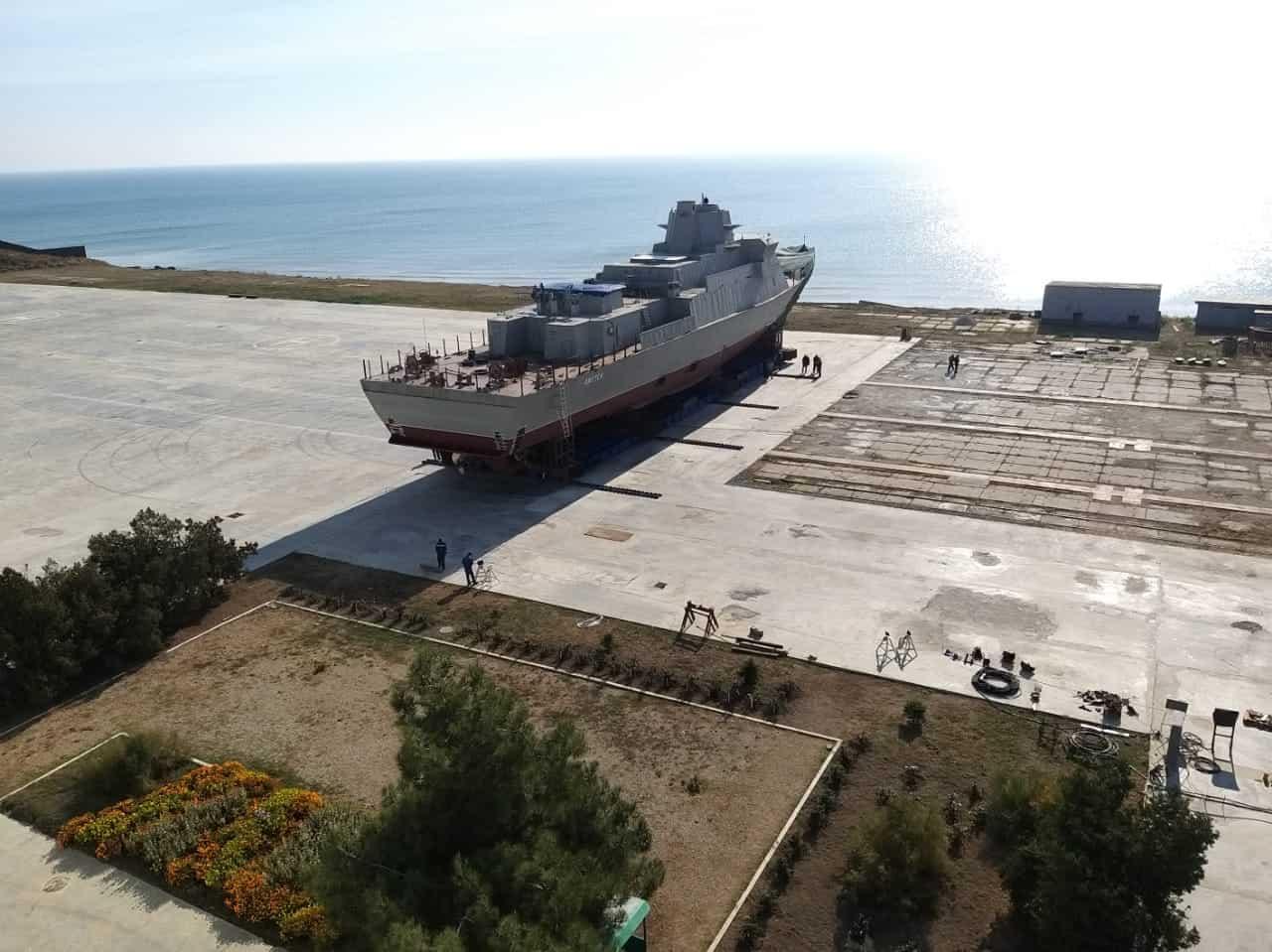 МРК «Охотск» перед спуском на воду у Феодосії