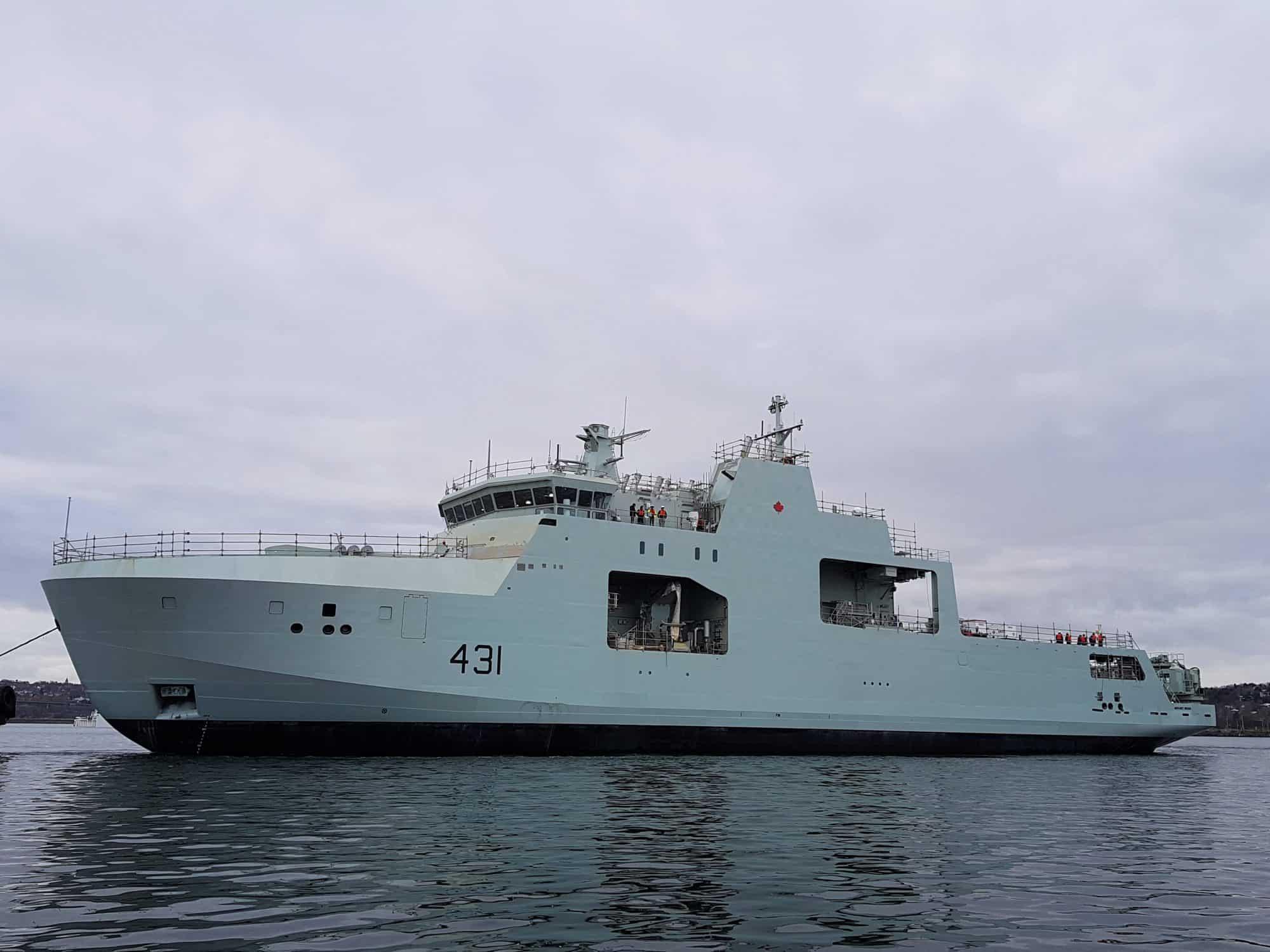Майбутній HMCS «Margaret Brooke» (431) на воді