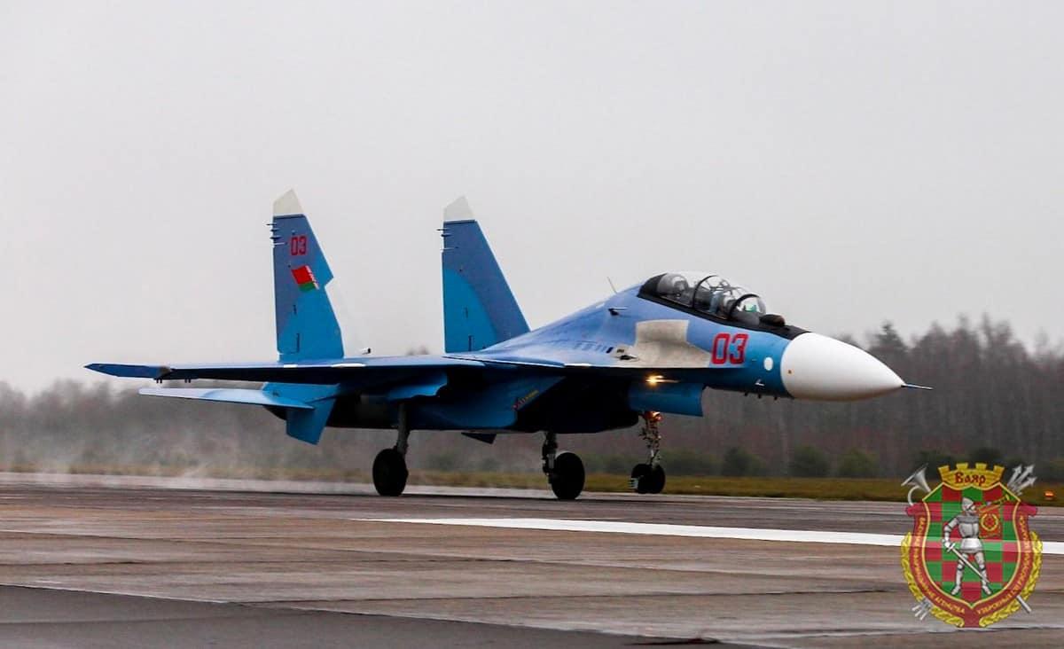 Су-30 СМ з бортовим номером 03 ВПС Білорусі
