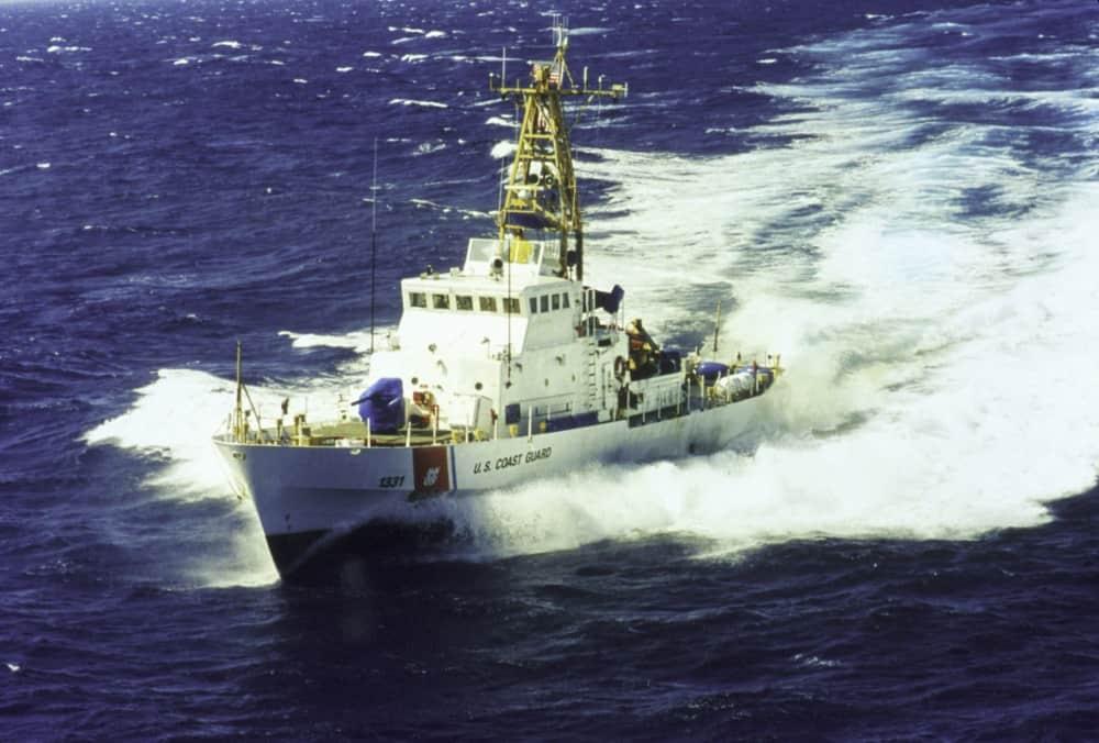 Патрульний катер USCGC Washington (WPB-1331) типу Island під час служби у 1999 році