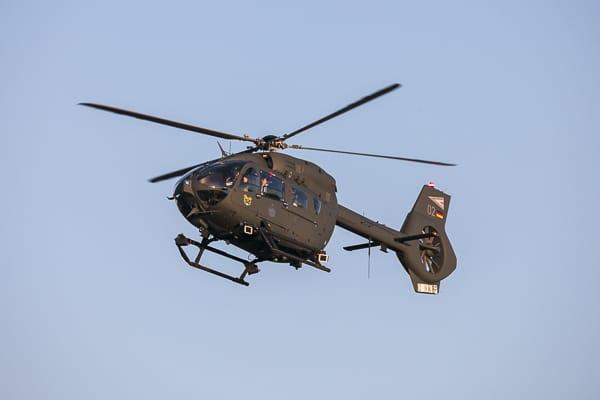 Угорський гелікоптер H145M з бортовим номером 02
