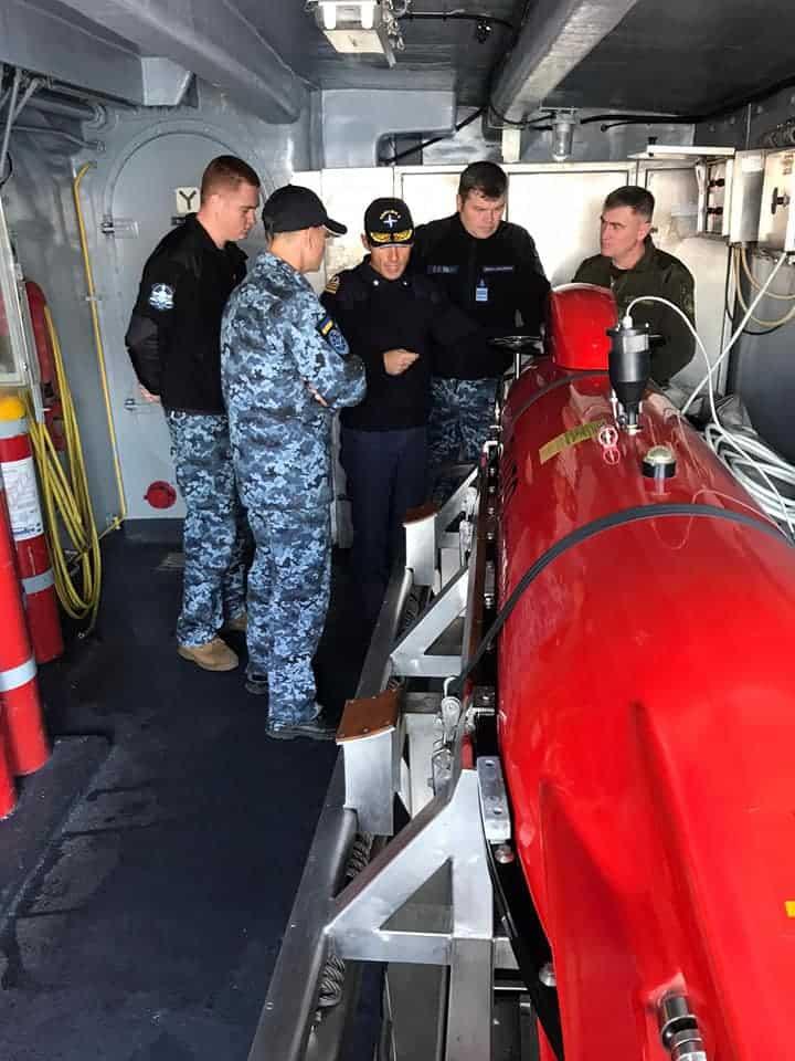 Українські військові моряки на борту італійського мінного тральщика