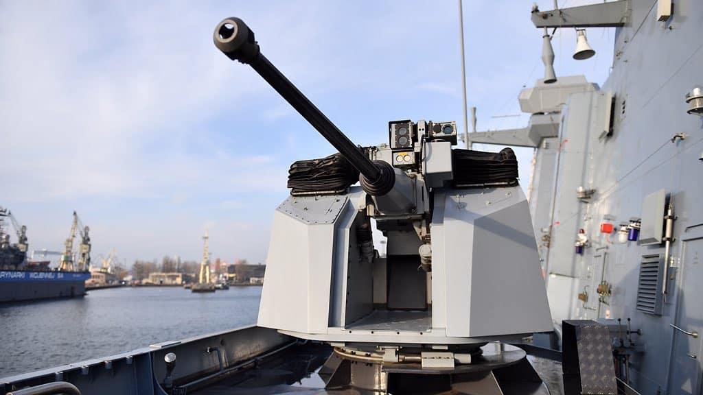 30 ммLeonardo Oto Marlin-WS на ORP Ślązak