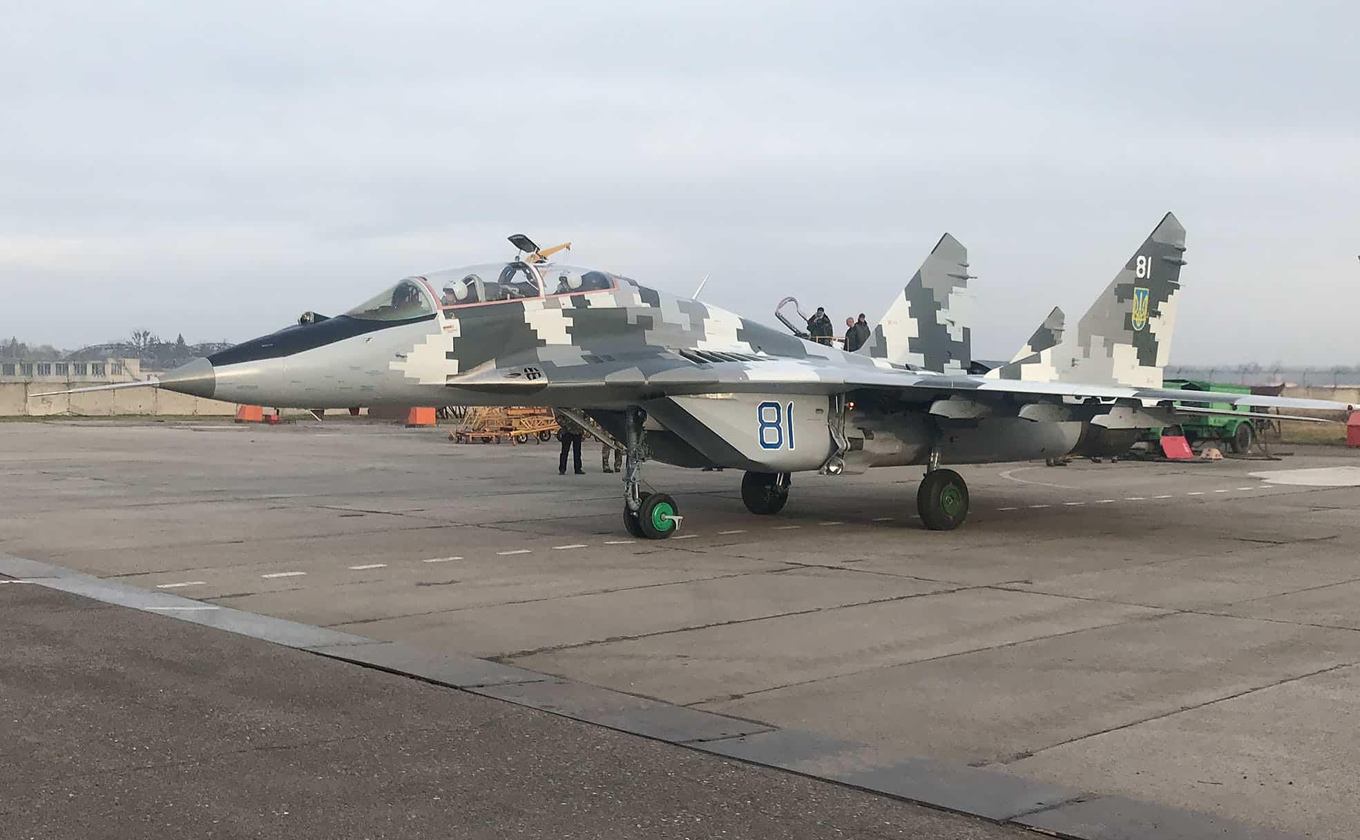 Капітально відремонтований МіГ-29УБ з бортовим номером 81