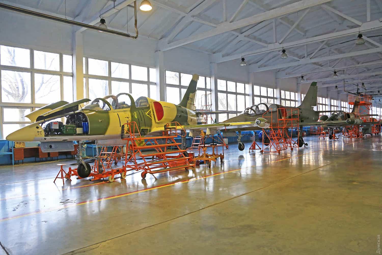 L-39ZA у цеху Одеського авіаційного заводу