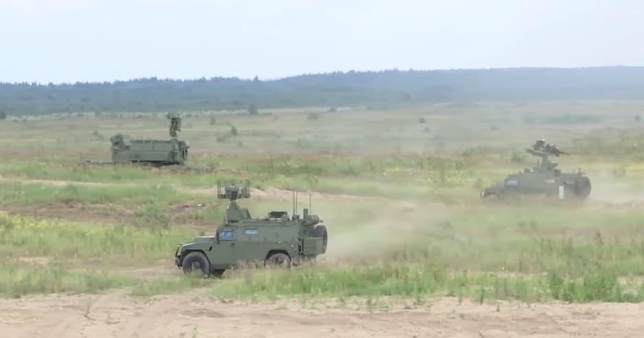 Машини мобільного комплексу протиповітряної оборони «Гибка-С» - пускова та РЛС