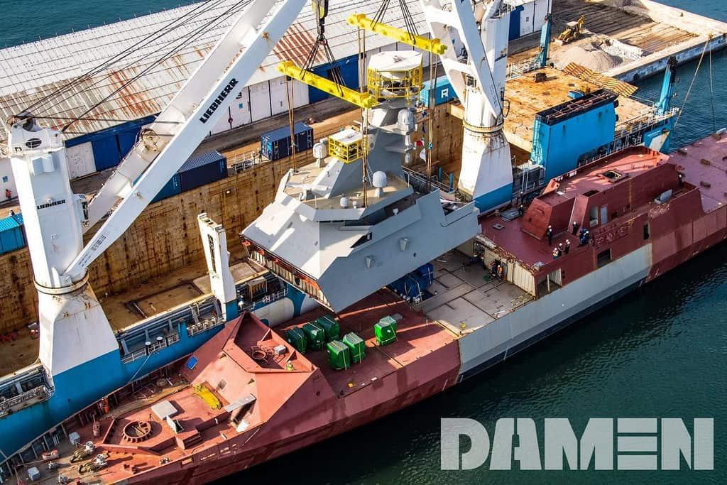 Монтаж надбудови корабля Reformador після транспортування