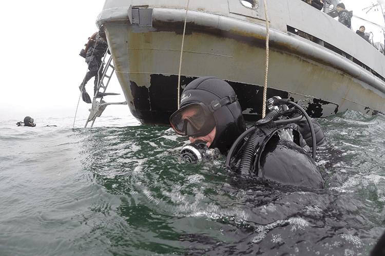Курсанти-водолази спустилися на максимальну глибину