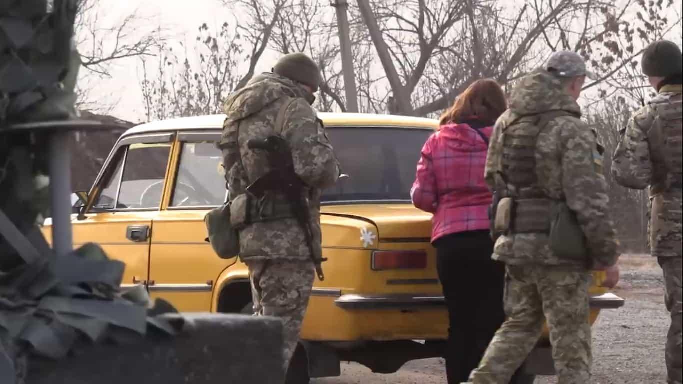 Робота КПВВ «Золоте» на ділянці розведення військ
