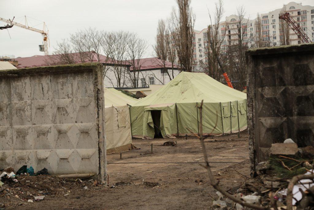 Розгортання наметового містечка на території недобудованого штабу ВМС ЗС України
